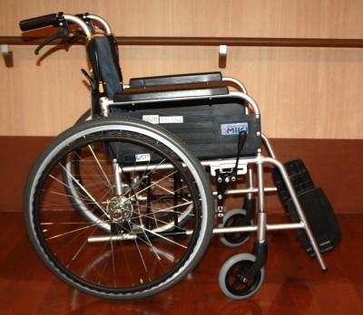 寄贈の車椅子